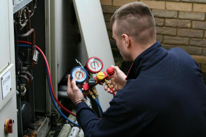 Kiểm tra áp suất gas máy lạnh