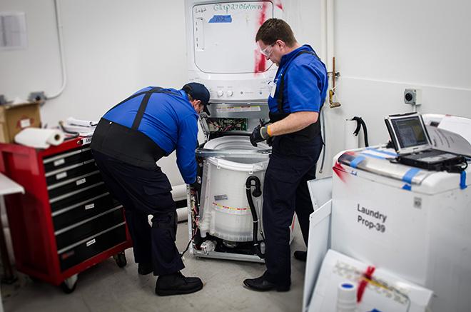 Việt Thái tuân thủ đúng quy trình sửa máy giặt